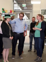 Finished! Kristin receives her PhD hat from supervisor Felix Jakob and colleague Lina Weber